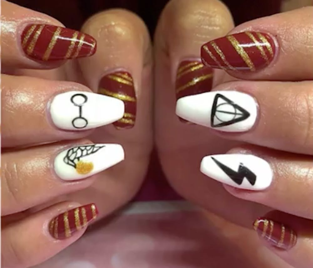 Check out this Hogwarts themed nail art