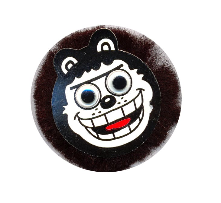 Hairy Gnasher Fang Club badge, Beano Dennis the Menace