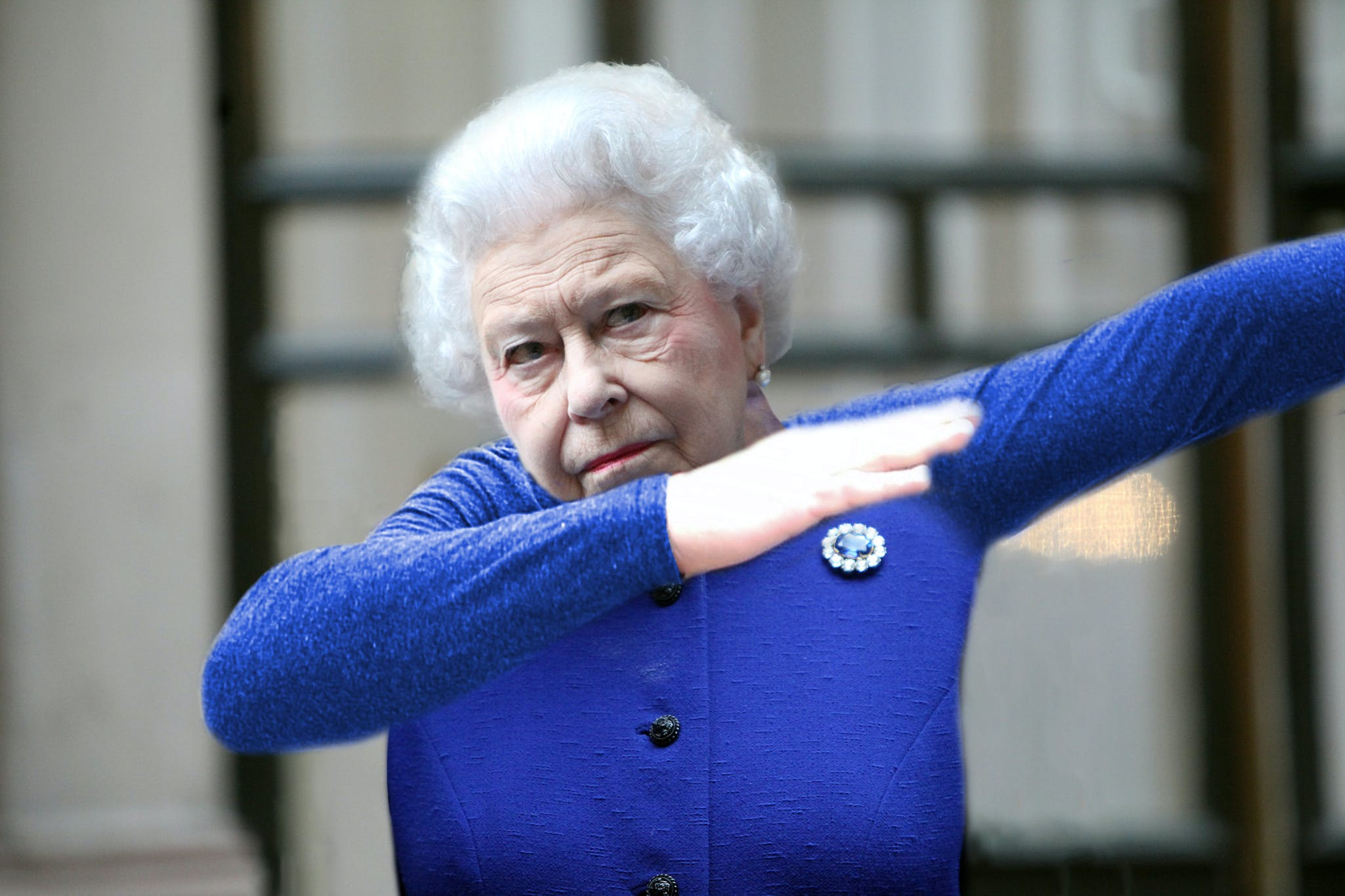 The Queen dabbing