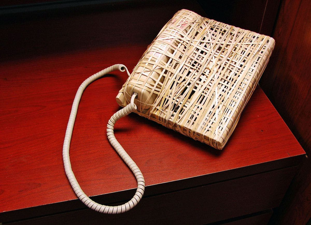 Rubber band telephone