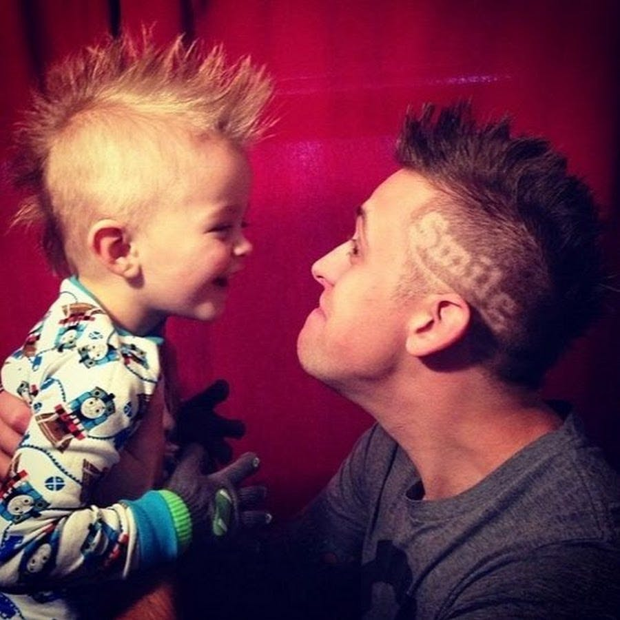 Roman Atwood with his son Kane